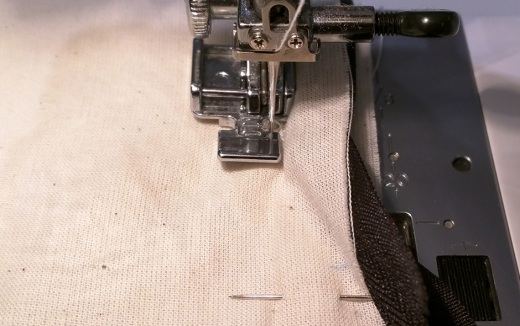 Sewing the zipper